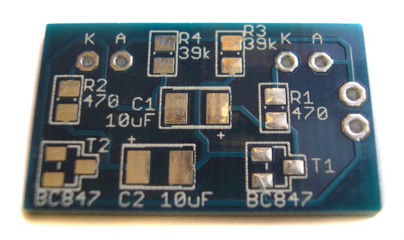 Stavebnice jednoduchého blikače SMD plošný spoj