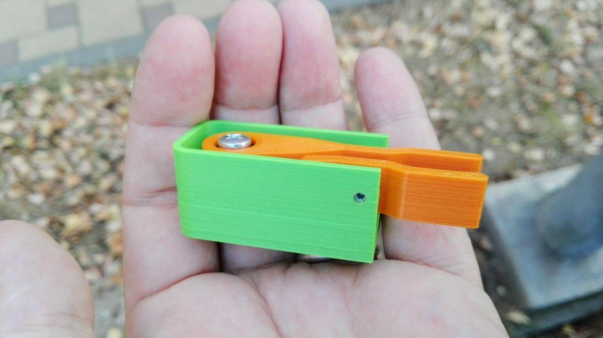 Miniaturní magnetická pastička