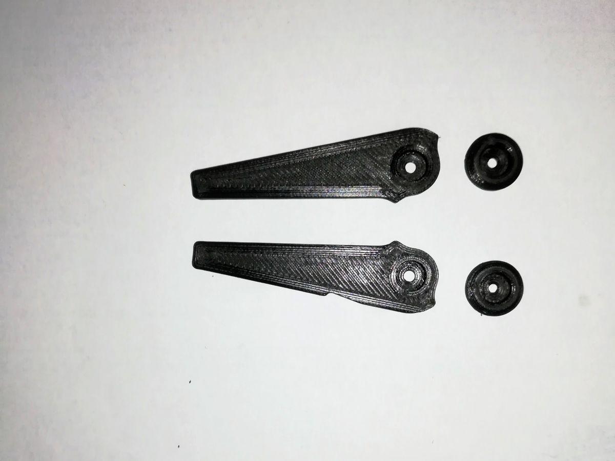 Nožičky pro FT-817, FT-818