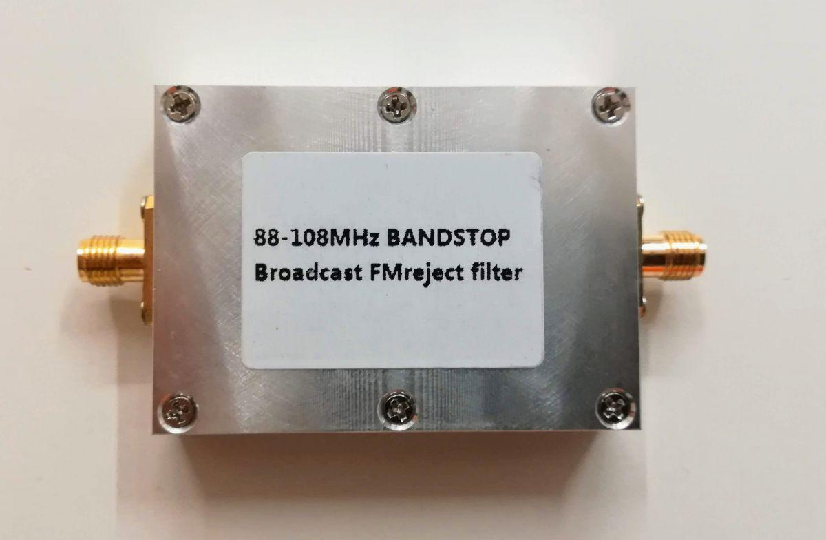 Filtr pro potlačení FM rozhlasu